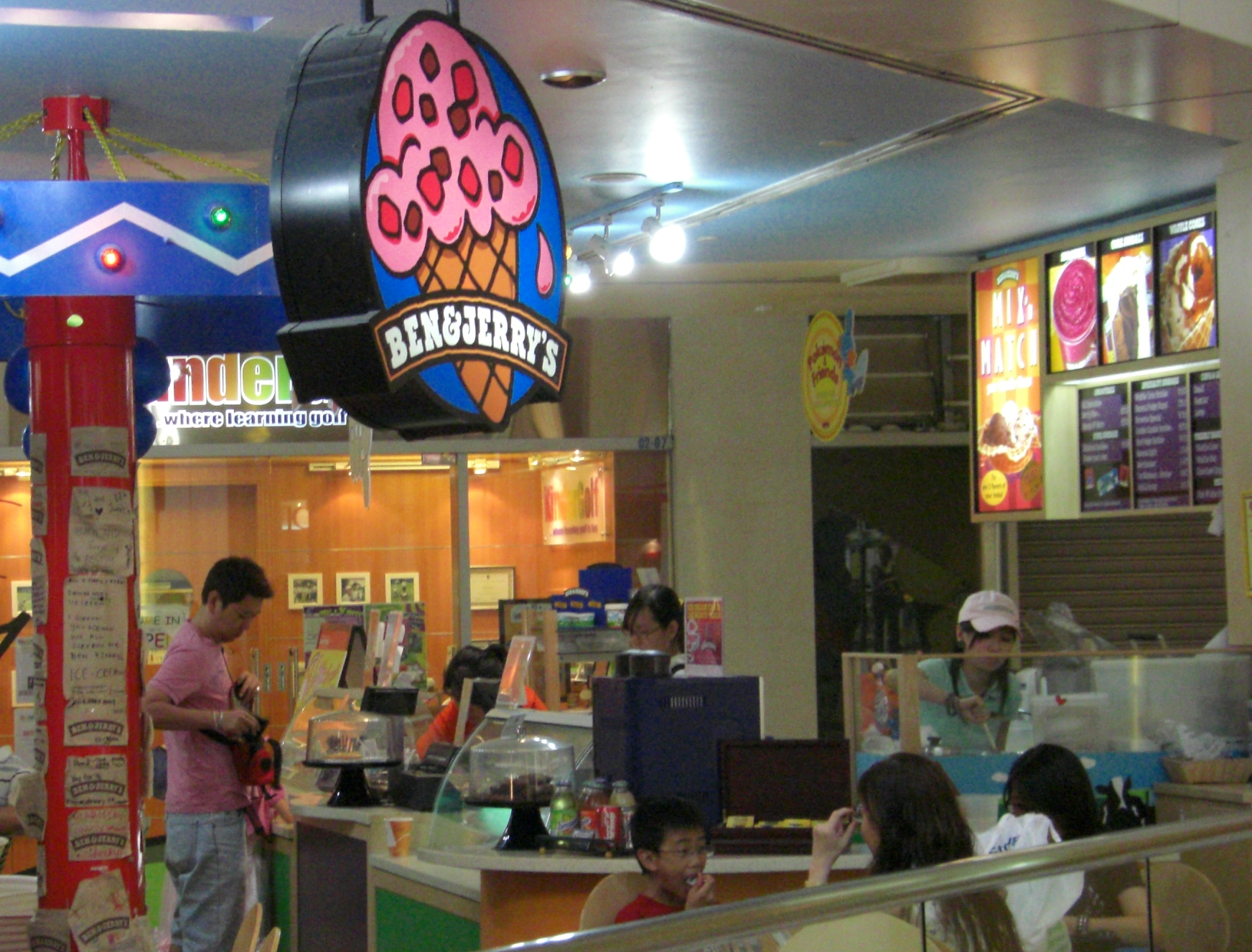 Ben and Jerry's oversees 5,800 locations worldwide. (photo:wikipedia)