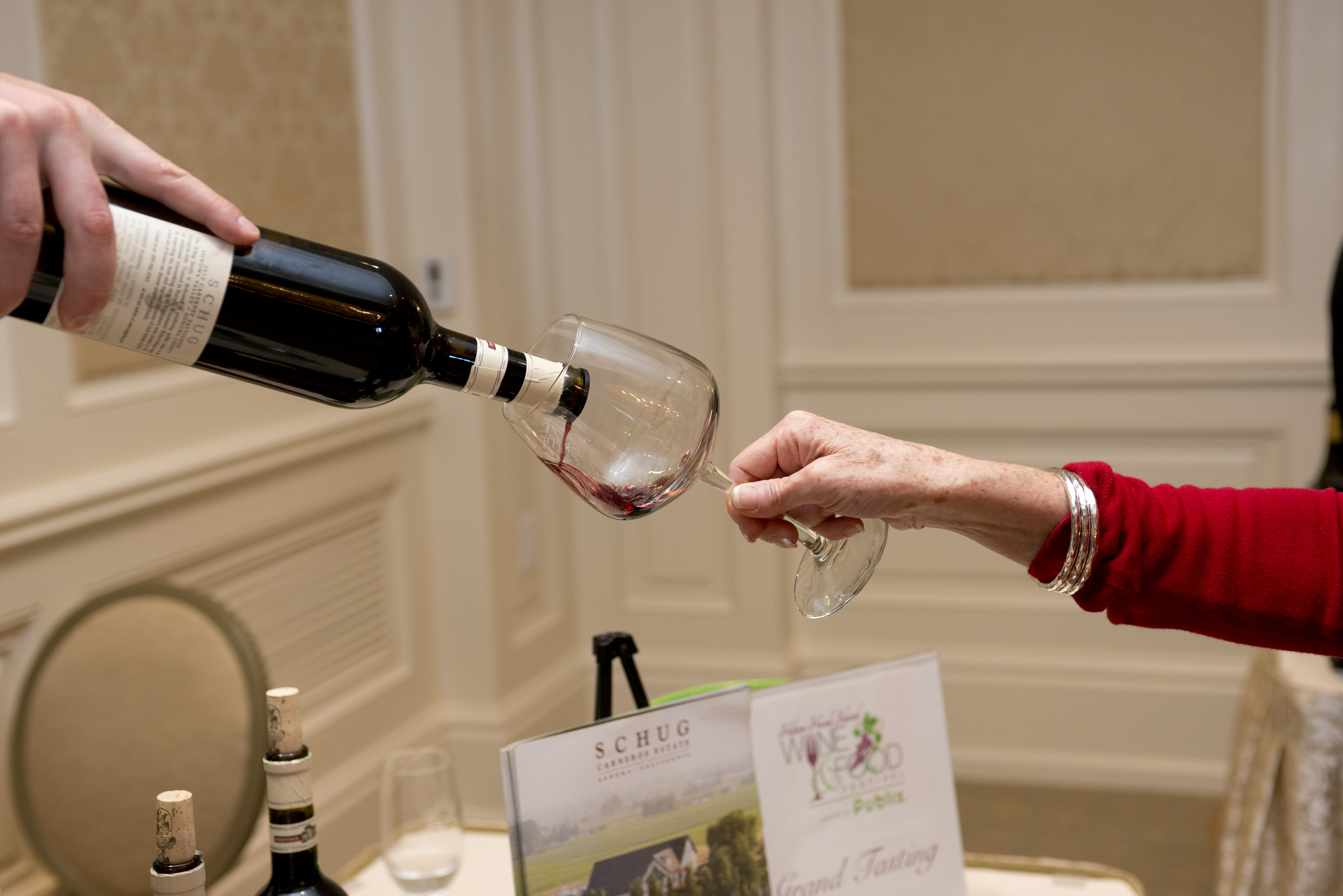 Friday's Grand Tasting is a great time held at the Harbortown Links Clubhouse